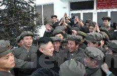 Triều Tiên diễu hành mừng phóng vệ tinh thành công