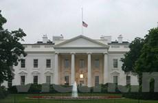 Nước Mỹ treo cờ rủ tiếc thương nạn nhân vụ thảm sát