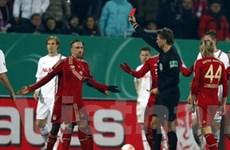 Franck Ribery dính thẻ đỏ vì vả vào mặt đối phương