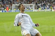 Cris Ronaldo chấm dứt sự thống trị của Leo Messi