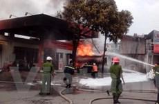 Video vụ cháy tại cây xăng đối diện bệnh viện 108