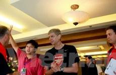 Cận cảnh buổi họp báo đầu tiên của Arsenal tại VN