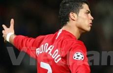 """""""Chi đậm"""" cho M.U đưa Ronaldo trở lại Old Trafford"""