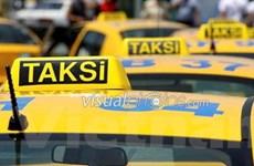 Sa thải hơn 5.000 lái xe taxi nhằm bảo vệ hành khách