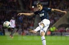 Liverpool lên ngôi đầu, M.U thắng nhọc Sunderland