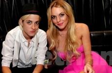 Cựu người tình đồng tính đến thăm Lindsay Lohan