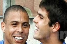 Kaka gửi lời tri ân đến người đàn anh Ronaldo