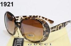 Gucci kỷ niệm sinh nhật bằng bộ sưu tập kinh điển