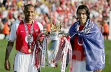 """Thierry Henry """"dụ dỗ"""" Robert Pires tới Mỹ thi đấu"""