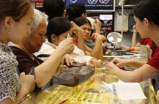 Giá vàng trong nước bất ngờ tăng 800.000 đồng