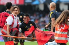 "Barcelona sẽ ""mất"" Alexis Sanchez trong hai tháng"