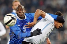 Đức đè bẹp Hà Lan, Italy thua ngay trên sân nhà