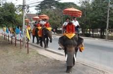 Ayutthaya: Ốc đảo của các đền đài và di tích cổ