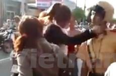 Nữ sinh tát cảnh sát giao thông được giảm án tù