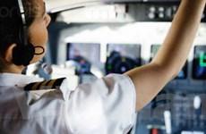 Viên phi công ngủ gật khiến máy bay suýt bị đâm