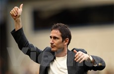 Frank Lampard sẽ nhận cúp nếu Chelsea lên ngôi