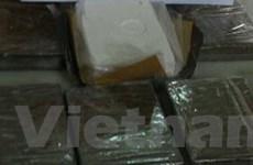 Bắt 1 đối tượng vận chuyển heroin và đâm cảnh sát