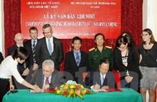 Ireland giúp khắc phục hậu quả bom mìn ở Việt Nam