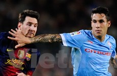 Bị ngăn cản ghi bàn tặng con trai, Messi đấm đối thủ