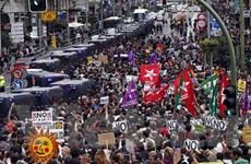 """Bãi công phản đối """"thắt lưng buộc bụng"""" ở nhiều nước"""