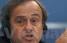 Platini bất đồng với Sepp Blatter về vụ Boateng