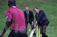 Chồng Thủ tướng Australia xin lỗi vì đùa quá trớn