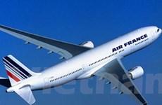 Máy bay chở hơn 200 hành khách hạ cánh khẩn cấp