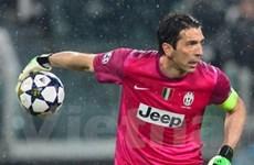 Buffon sắp đuổi kịp Maldini khi Italy đại chiến Brazil