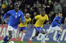 Thần đồng Neymar cũng ngả mũ thán phục Balotelli