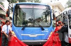 Ra mắt xe buýt CNG đầu tiên do Việt Nam sản xuất