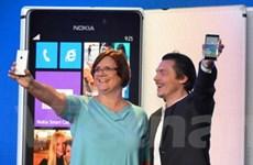 """Nokia trình làng """"siêu phẩm"""" khung nhôm Lumia 925"""
