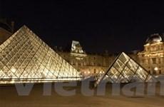 Toshiba lắp hệ thống đèn LED cho bảo tàng Louvre
