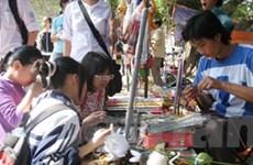 Hương vị truyền thống trong phiên chợ Tết quê