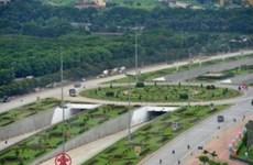 Chú trọng phát triển mạng lưới đường sắt, đường bộ