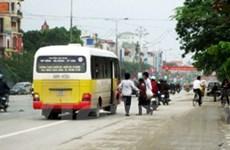 """Nhiều xe khách cũng """"nhái"""" kiểu dáng của xe buýt"""