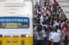 """""""Chốt"""" để chống nạn móc túi tại điểm chờ xe buýt"""