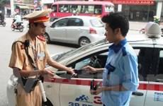 Hà Nội: Kiên quyết thu hồi giấy phép taxi vi phạm