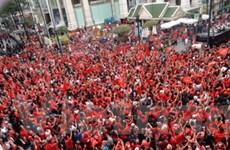 """Giao thông tại Bangkok tê liệt vì """"áo đỏ"""" biểu tình"""