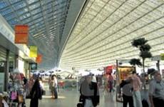 Sân bay De Gaulle của Pháp báo động có thuốc nổ