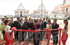 VOV bàn giao 5 đài phát sóng FM cho Campuchia