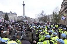 """Anh đối mặt cuộc """"đại đình công"""" chống chính phủ"""