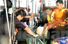Cứu hộ thành công 2 tàu cá và 30 ngư dân gặp nạn