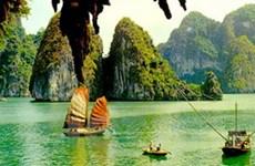 """""""Vịnh Hạ Long là 1 biểu tượng đặc biệt và kỳ thú"""""""