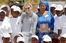 Madonna khôi phục kế hoạch xây trường ở Malawi
