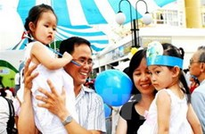 Năm Gia đình Việt Nam 2013 - Kết nối yêu thương