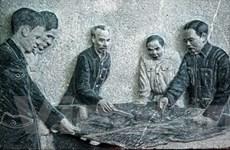 Gặp người khắc họa hình tượng Bác Hồ bằng đá