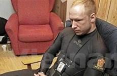 """Sát thủ Breivik pha trò để """"cải thiện bầu không khí"""""""
