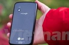 Nexus 4 quá đắt hàng khiến người dùng phải chờ đợi