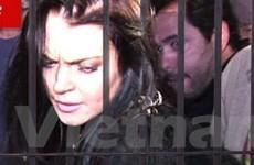 Lindsay Lohan phải vào trung tâm cai nghiện 3 tháng