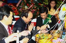 Tưng bừng Tết cổ truyền Bun Pi May của Lào ở VN